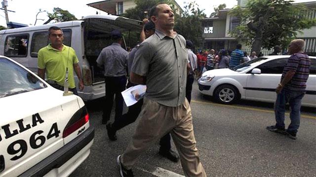"""EE.UU pidió la liberación inmediata del líder opositor cubano José Daniel Ferrer. """"Su detención arbitaria y la redada en su organización son inaceptables"""", indicó la jefa de la Oficina de Asuntos del Hemisferio Occidental en el Departamento de Estado.         CUBADEMOCRACIAYVIDA.ORG                                                                                                                                                    web/folder.asp?folderID=136"""