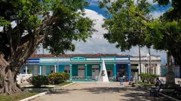 Recuerdos de mi pueblo villaclareño de Camajuaní. Por Félix José Hernández. cubademocraciayvida.org   web/folder.asp?folderID=136