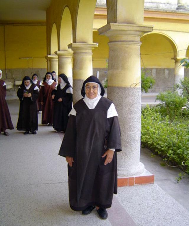 Los pobres de Cuba perdieron a una gran protectora con la llamada de Dinorah a la Casa del Señor. Por Félix José Hernández.      cubademocraciayvida.org                                                                                        web/folder.asp?folderID=136