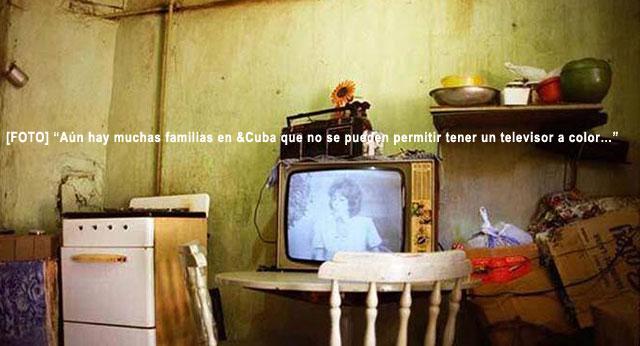 """CUBA """"MAR DE FELICIDAD"""" FOTORREPORTAJE: La miseria en Cuba desnuda la cruda realidad Cubana. Por Yusnaby Pérez. web/folder.asp?folderID=136"""